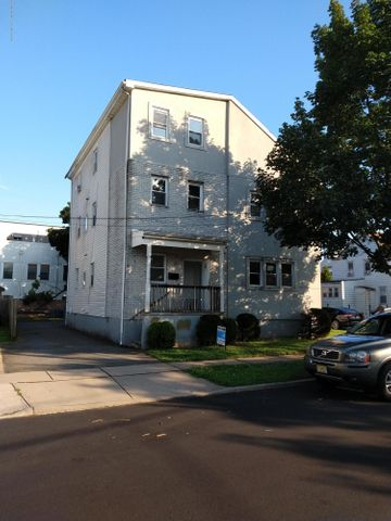 22 Richardson Street, New Brunswick, NJ 08901