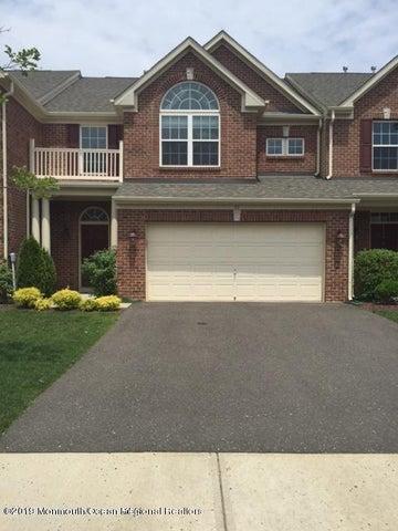 31 Oak Leaf Lane, Tinton Falls, NJ 07712