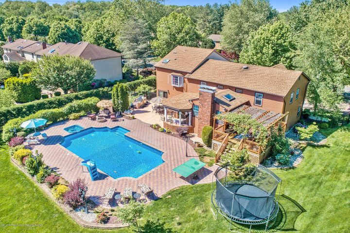 WELCOME TO ONE STONE LANE- AN EXPANSIVE PRIVATE PROPERTY WITH POOL, SPA AND OUTDOOR KITCHEN