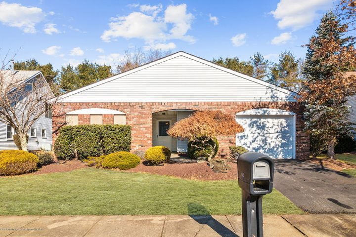 122 Murray Hill Terrace, Marlboro, NJ 07746