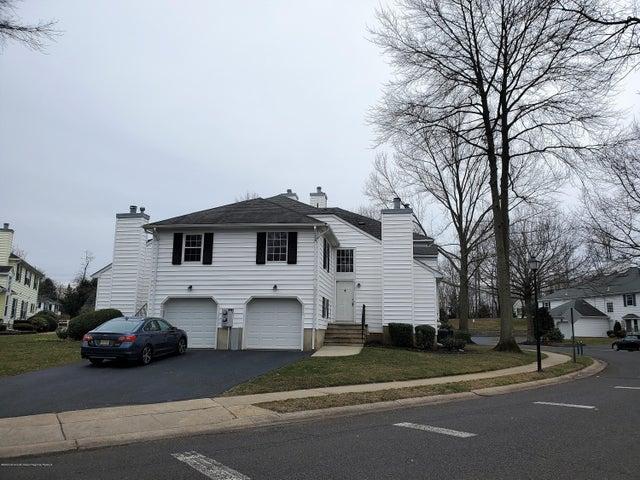 2502 Buckingham Circle, Middletown, NJ 07748