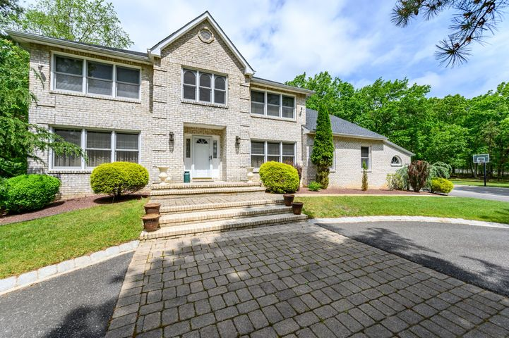 127 Tree Top Circle, Freehold, NJ 07728