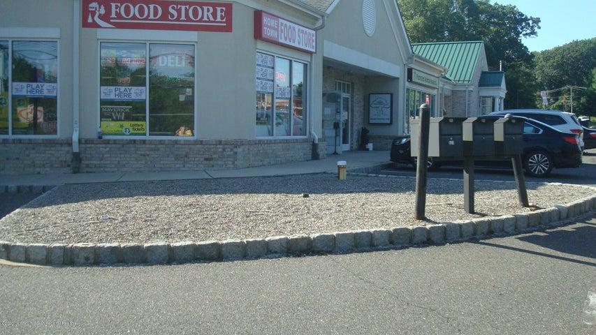 829 Monmouth Road, Cream Ridge, NJ 08514