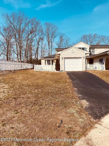 End Unit with single driveway ...