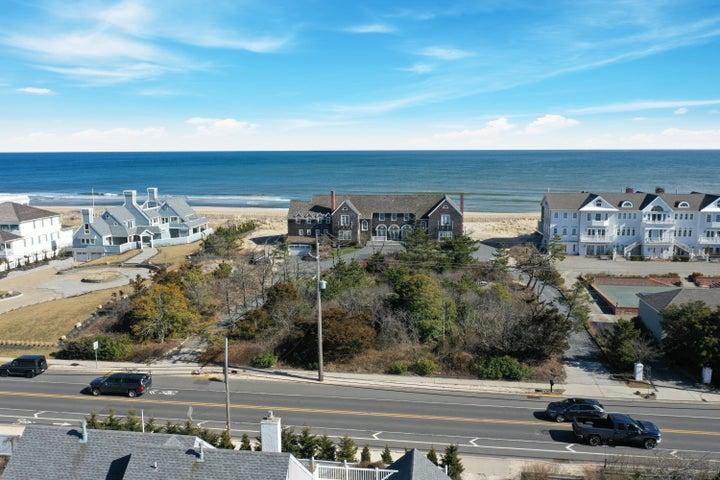 1067 Ocean Avenue, Mantoloking, NJ 08738