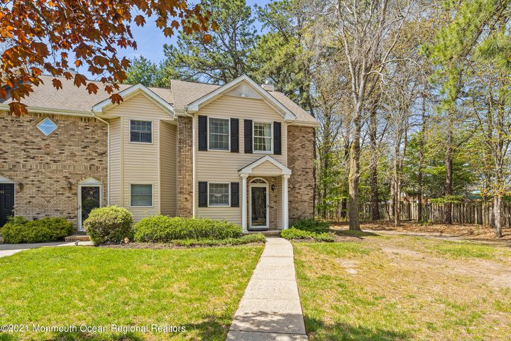 15 Weller Place, Holmdel, NJ 07733
