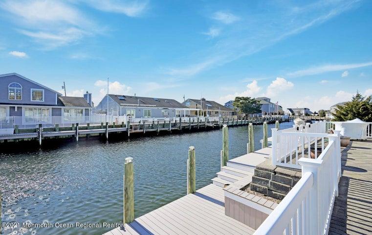 327 Tide Pond Road, Mantoloking, NJ 08738