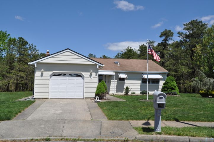 16 Elmswell Court, Toms River, NJ 08757