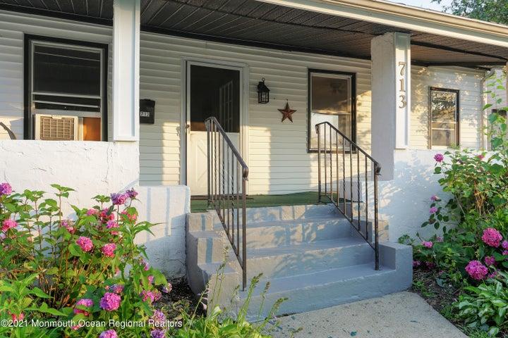 Front Porch to enjoy summer breeze