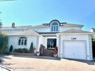 Beautiful Point Pleasant shore home, with brand new kitchen, beautiful view of the bay, and inground salt water pool.