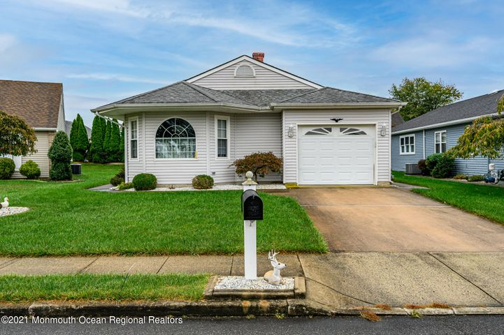 6 Wycombe Court, Toms River, NJ 08757