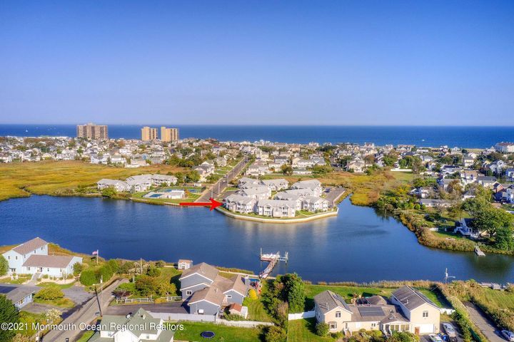 25 B Sands Pt South, waterfront, 3 blocks to beach