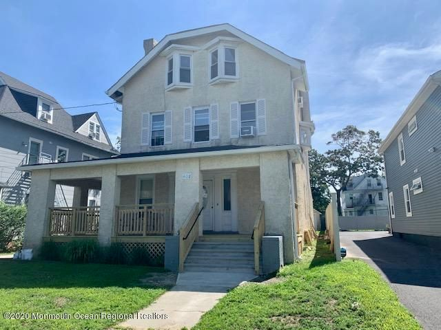 Tastefully gut renovation of 3rd floor unit in 3 family home a few blocks from the beach.. RECESSED lights and beautiful kitchen w granite counter tops and all appliances.. Hardwood like floors thru out and over sized bathroom,, Must see to appreciate.. Construction is  complete and ready for tenant 11/1/2020