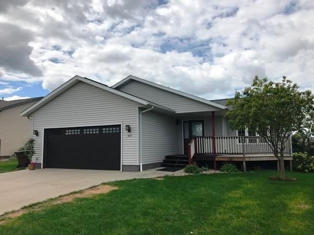 307 Tiger St, Mitchell, SD 57301