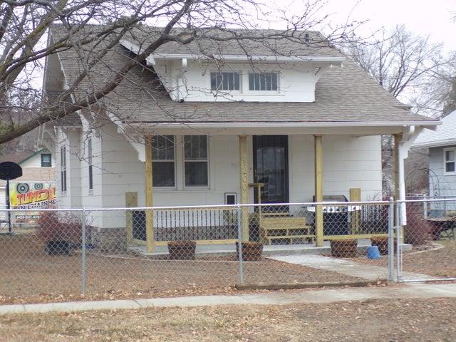 1200 E 4th Ave, Mitchell, SD 57301