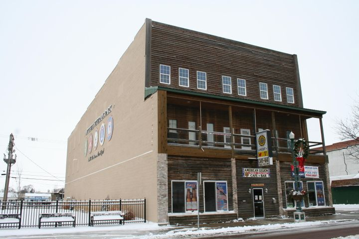 107 N Main St, Mitchell, SD 57301