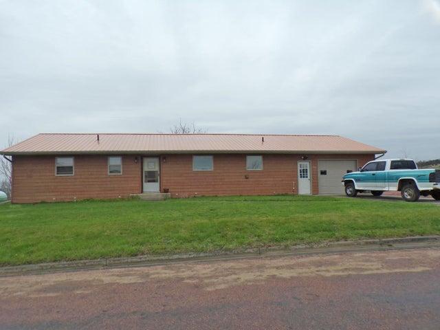 301 4th St, Wessington Springs, SD 57382