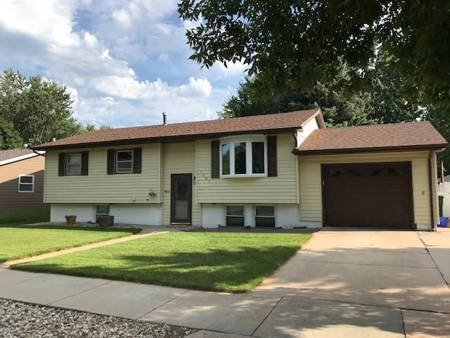 1505 E 5th Ave, Mitchell, SD 57301