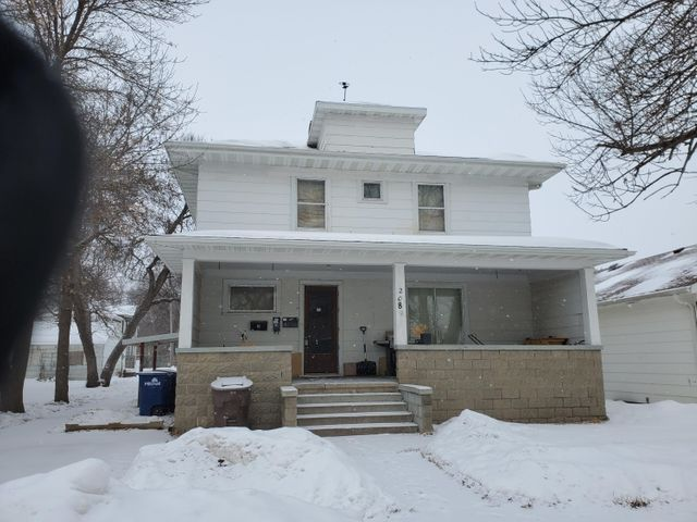 208 W 2nd Ave, Mitchell, SD 57301