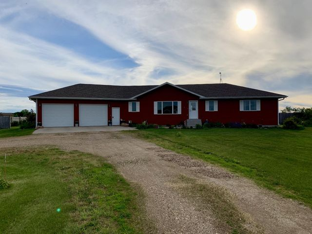 25051 Alex Ct, Mitchell, SD 57301