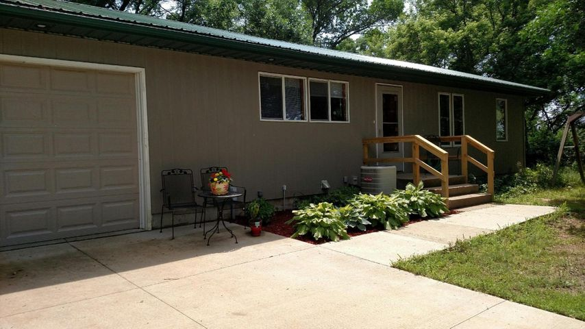 38505 Chalk Rock Rd, Marty, SD 57361
