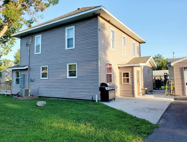 417-415 N Tibbetts St, Mount Vernon, SD 57363