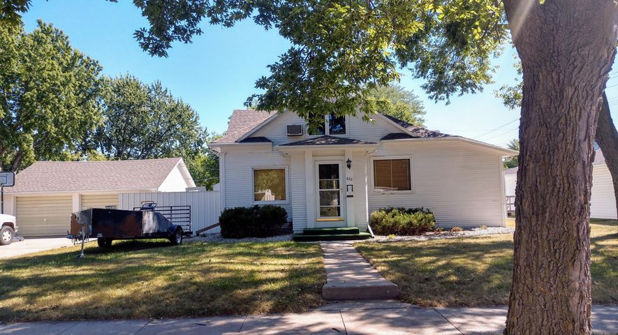 622 S Minnesota St, Mitchell, SD 57301