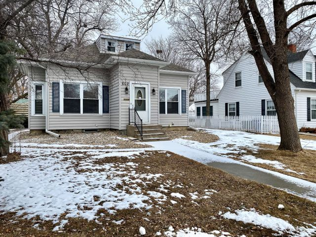 602 E 5th Ave, Mitchell, SD 57301