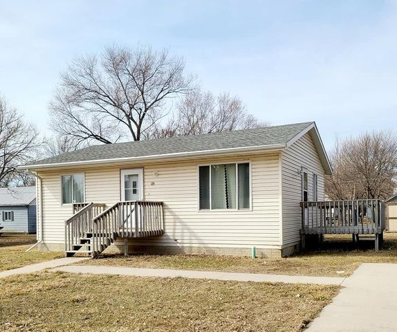 135 N 7th Ave, Lake Andes, SD 57356