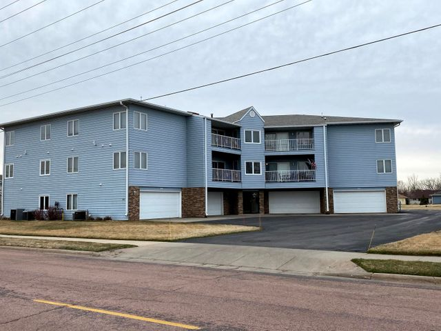 920 W Norway Unit #306 Ave, Mitchell, SD 57301