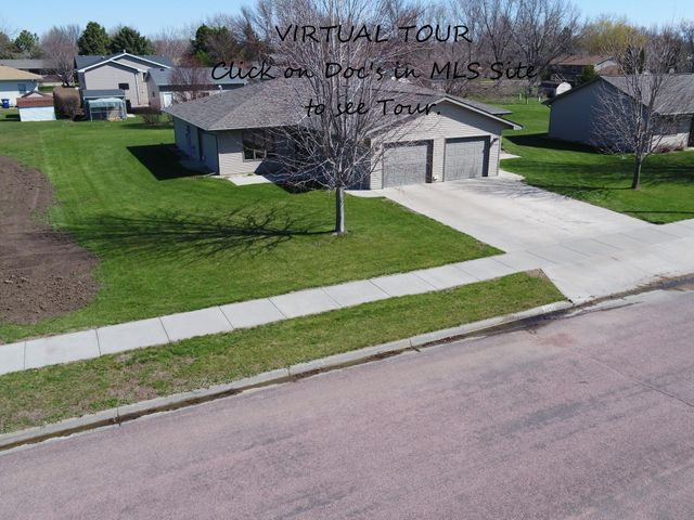 1110/1112 W Hurst Ave, Mitchell, SD 57301