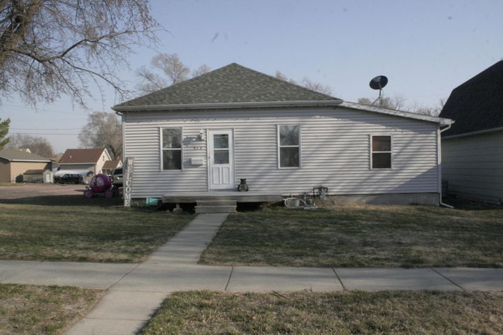 922 W 5th Ave, Mitchell, SD 57301