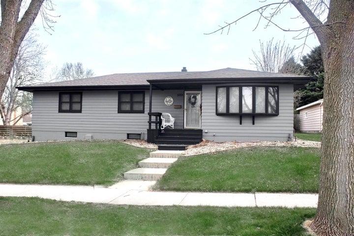 1001 W Birch Ave, Mitchell, SD 57301