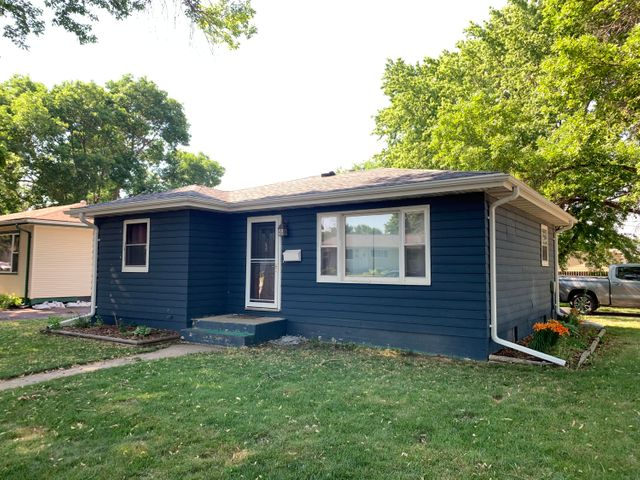 1100 W 6th Ave, Mitchell, SD 57301
