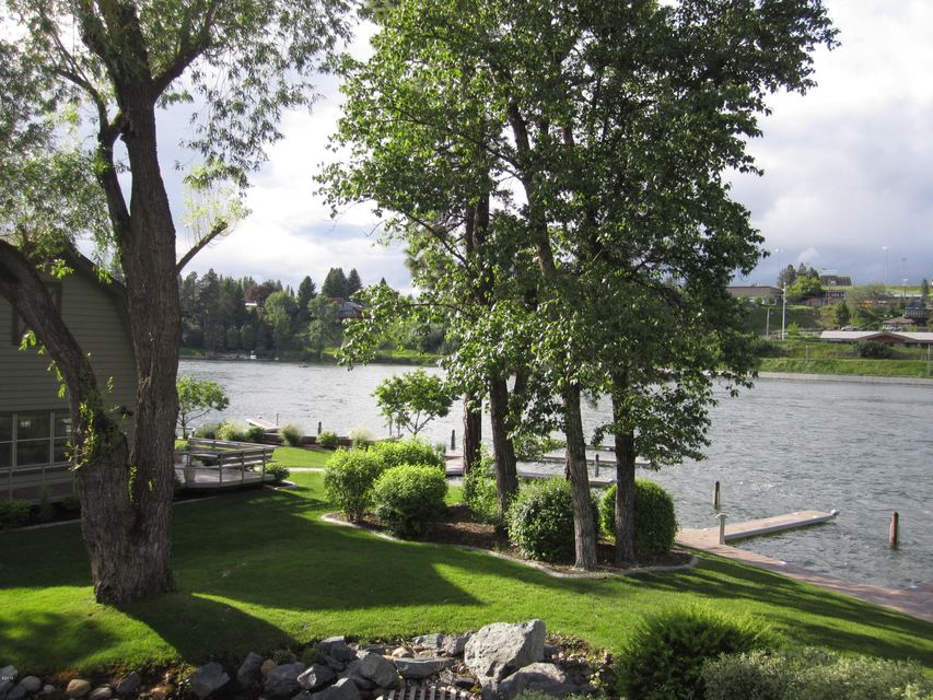 270 Bridge Street Lakeview 1 Unit 4, Bigfork, MT 59911