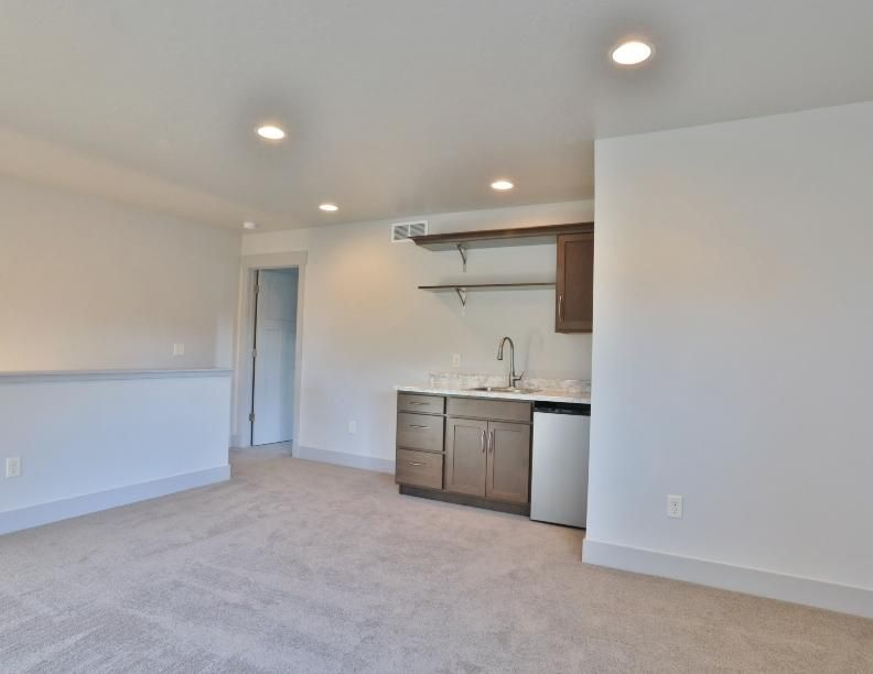 Property Image #10 for MLS #21805317