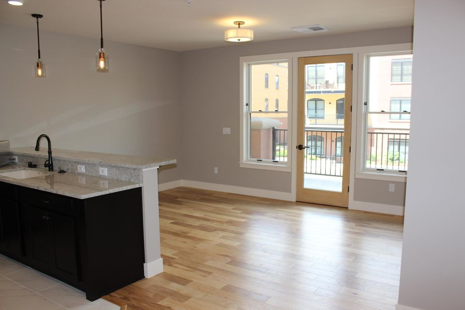 Property Image #2 for MLS #21806572