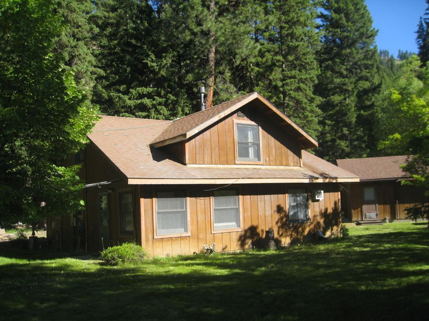 1663 East Fork Road, Sula, MT 59871