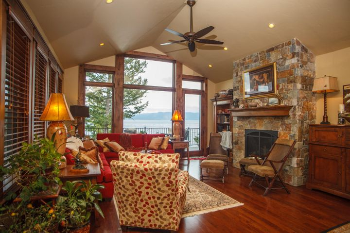 43 Larchwood, Lakeside, MT 59922
