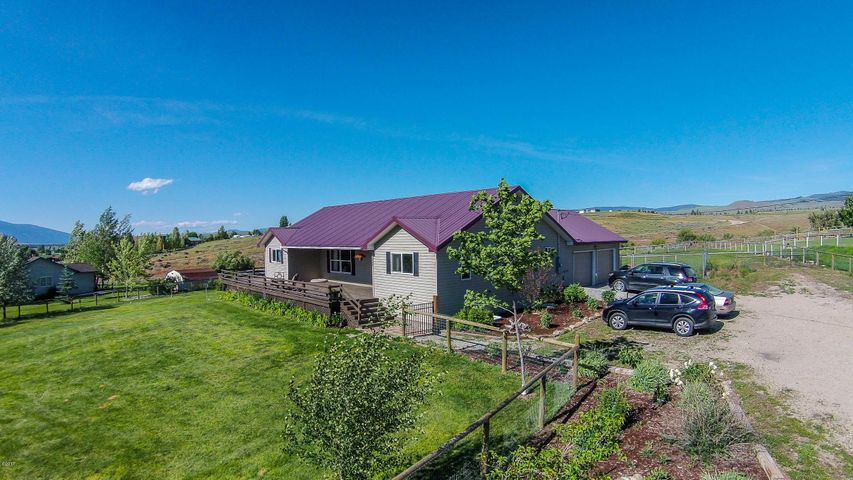 2354 Old West Trail, Corvallis, MT 59828