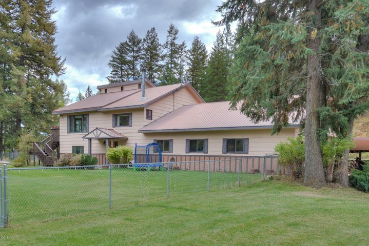 32100 Curly Horn Lane, Alberton, MT 59820