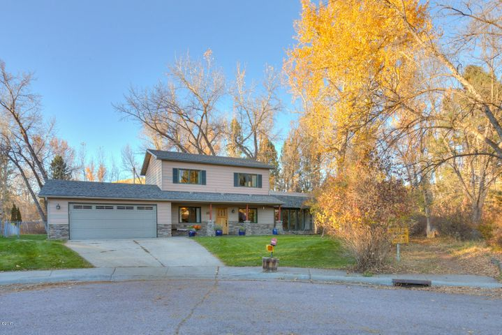 10300 Lakewood Place, Lolo, MT 59847
