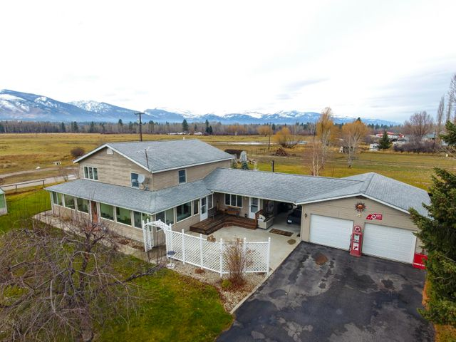 809 Old Corvallis Road, Corvallis, MT 59828