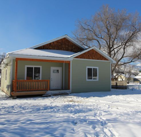 207 South 8th Street, Hamilton, MT 59840