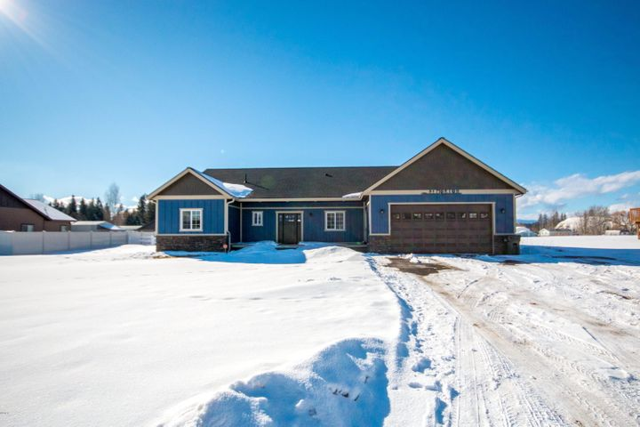 592 Rosewood Acres Drive, Kalispell, MT 59901