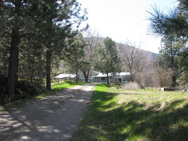 1137 River Road West, Plains, MT 59859