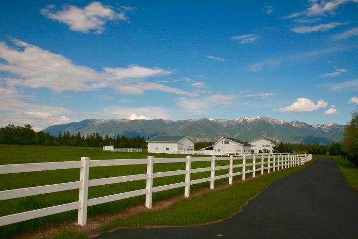 Imagine a horse property on the water with panoramic mountain views!