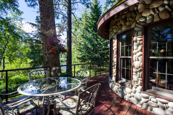 12427 Sunburst Drive, Bigfork, MT 59911