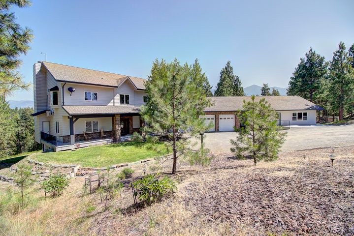Home on 3 acres with Moran Lake in your back yard