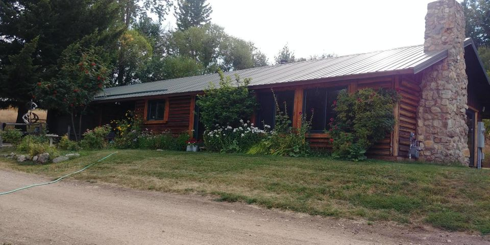 19707 King Road, Florence, MT 59833